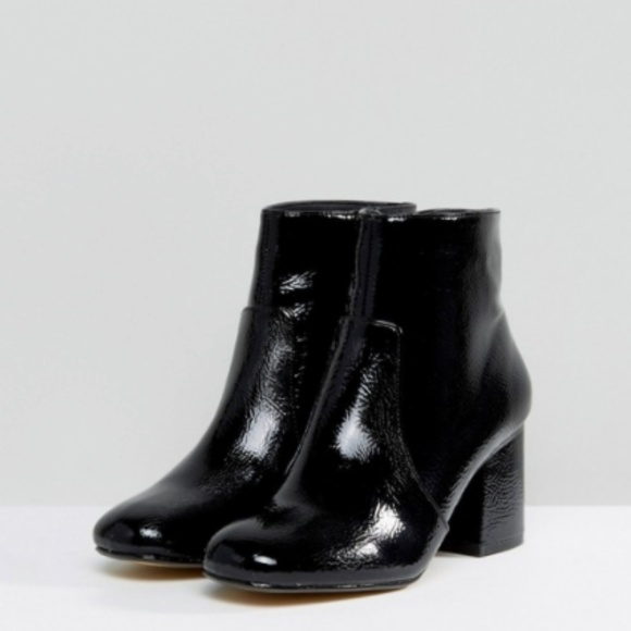 27d86caba25d Oasis Patent Leather Block Heeled Ankle Boot 8. Oasis.  M_5ab11f08a6e3eab6a05ac95d. M_5ab11f08a4c485ed1ca1fa2b.  M_5ab11f085521be3ad753142a